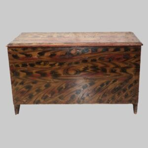 28-18971 paint decorated New Hampshire chest Image