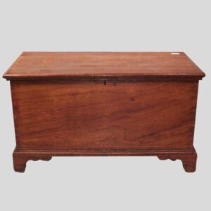 25-14345 Small size painted chest Image