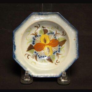 25-13142 Octagonal Pearlware Plate Image