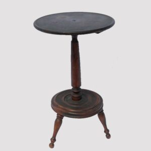 15-25722, Chester Co., PA country dish top candle stand, baluster support, ring turned base with Windsor legs. $1,295